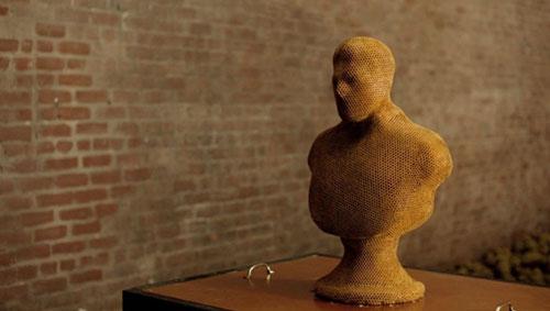 dewar_highlander_honey_sculpture_5